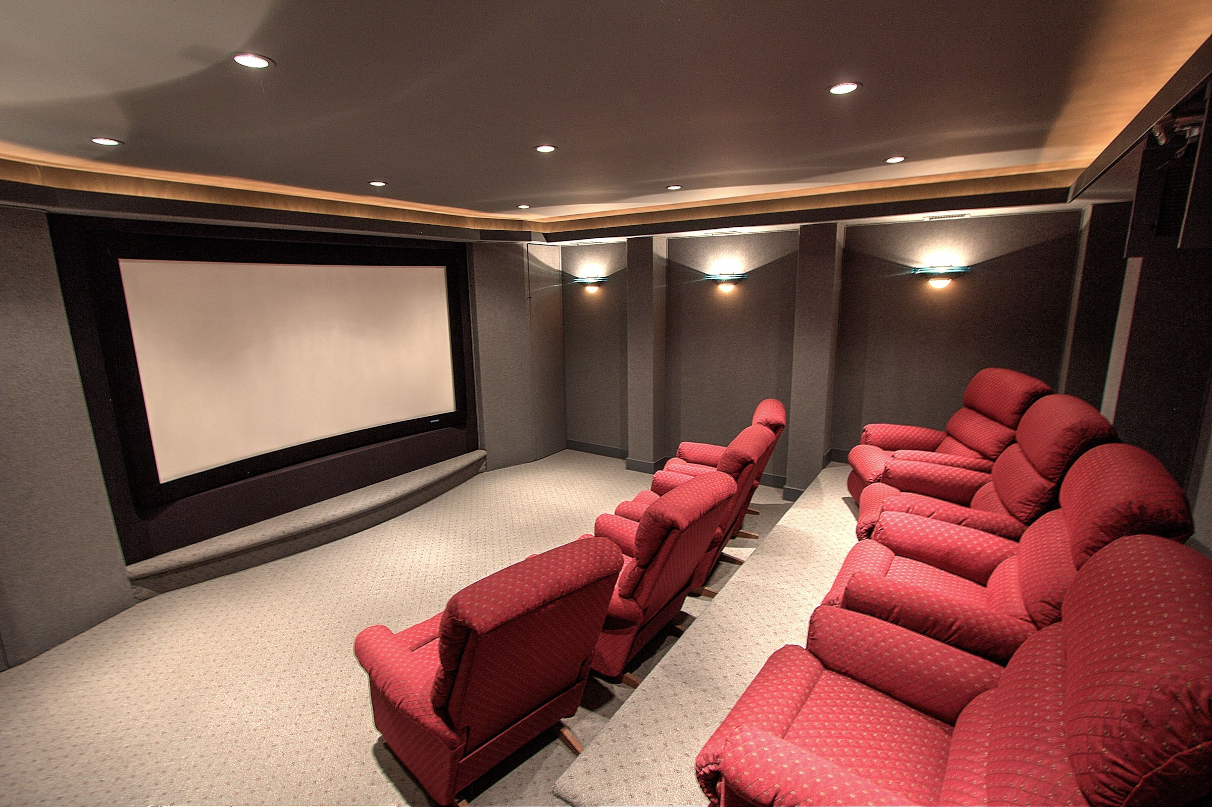 Cain's Home Theater, Full Image